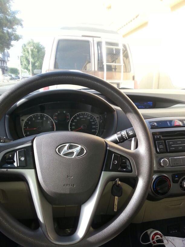 سيارة  هونداي (2013م)  النوع (i20) ب35000 ريال