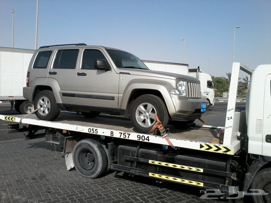 سطحة لنقل السيارات من دبي الى اي مكان في السعودية