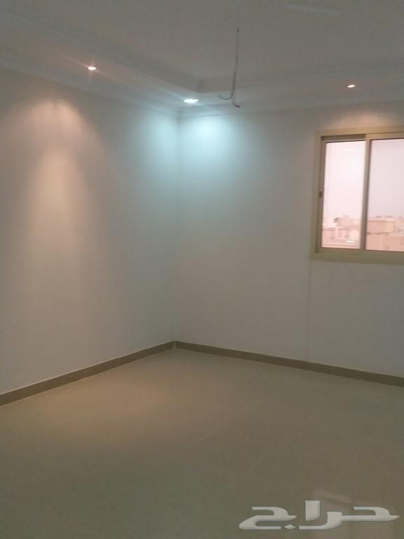 »  شقة عزاب للإيجار 3وصالة بموقع متميز بظهرة لبن