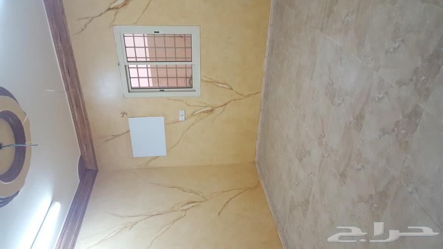 »  شقة جديدة  للايجار حي العزيزية حي الدفاع