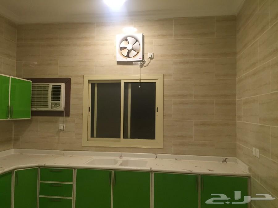 »  شقق 3 غرف وصالة بالمكيفات والمطبخ بالمدينة