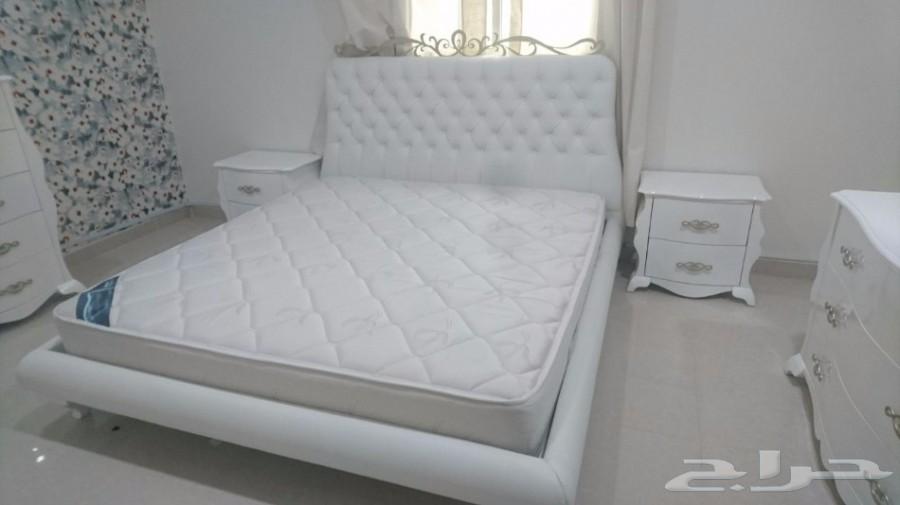 غرفة نوم فخمة وشبه جديدة للبيع من شركة ميداس