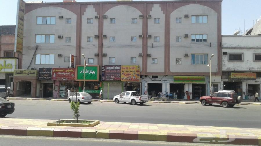 عمارة مكونه من ثلاثه ادوار خميس مشيط .
